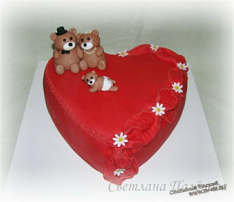 Торт в виде сердечка