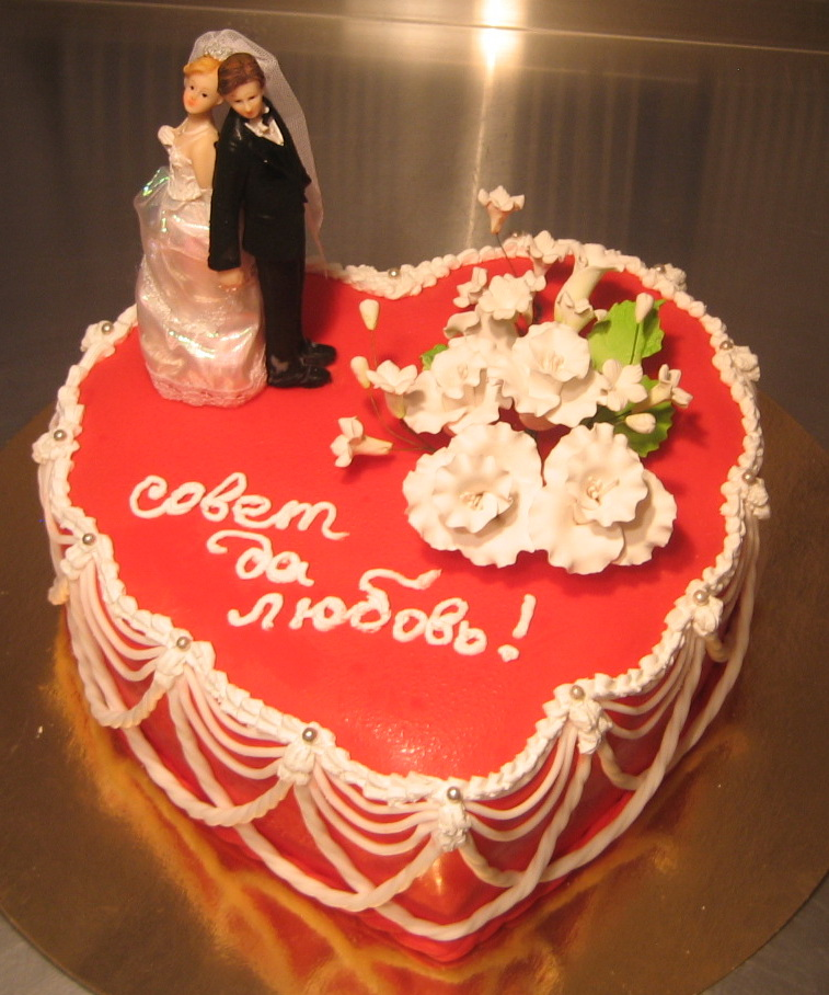 фото свадебные торты в виде сердца